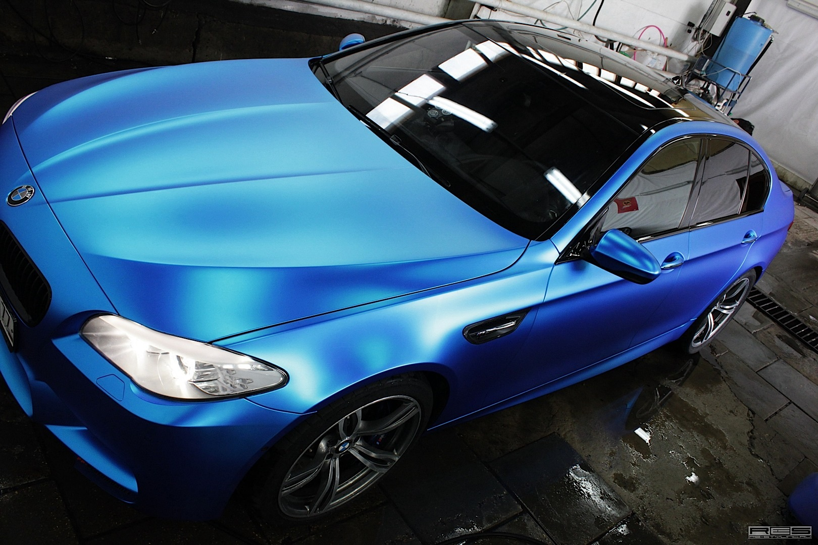 f10-bmw-m5-in-blue-satin-chrome-photo-gallery_7